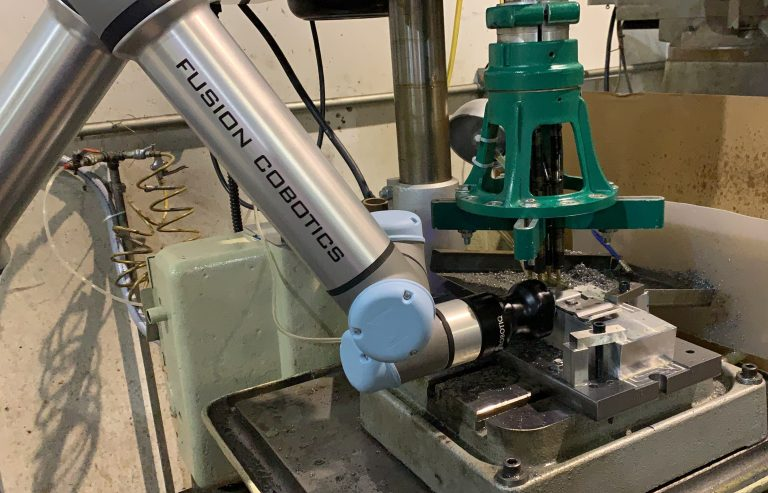 Cobot at Work at Client: Conveyor Accessories